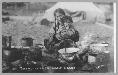 1280px-Inuit_cocking_place_1916